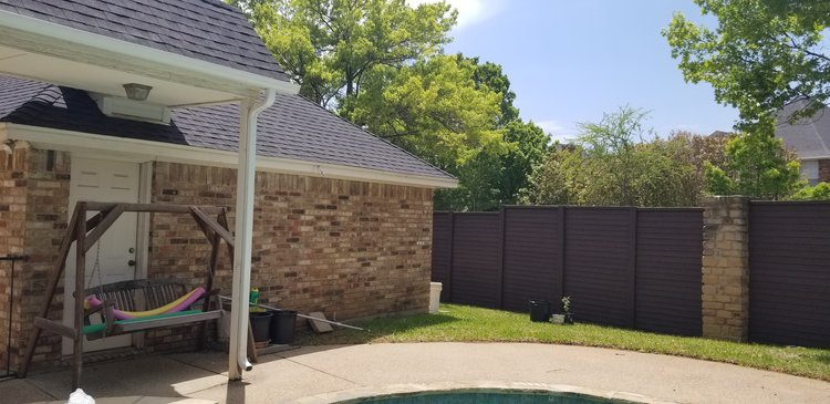 Arlington home w/ new fence